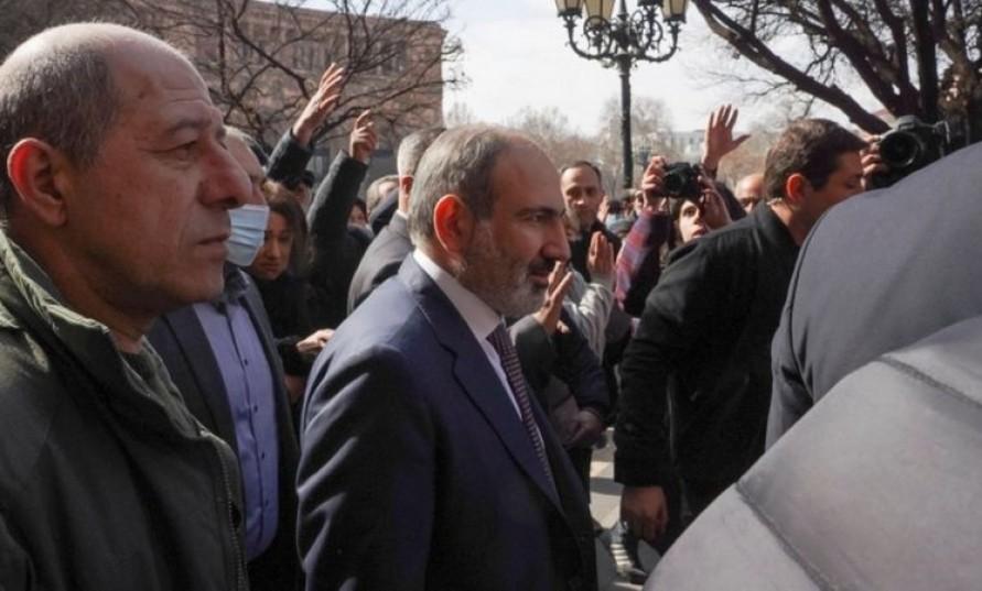 Ermenistan'da darbe girişimine karşı direniş