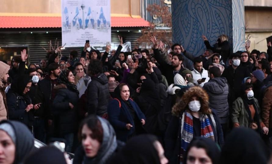 Su krizi İran'ı vurdu, kesintileri protesto eden göstericilere ateş açıldı