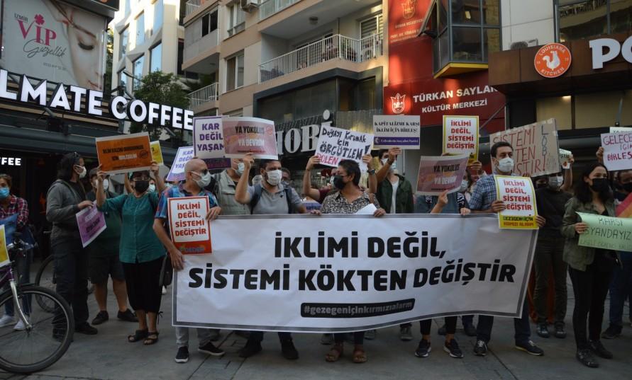 İklim krizinin sorumluları İzmir'de protesto edildi
