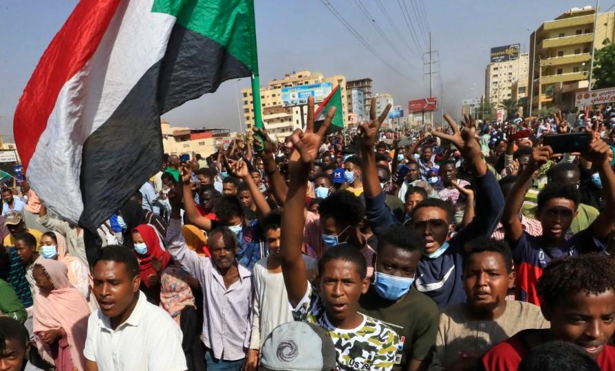 Sudan'da darbe karşıtı demokrasi hareketi nasıl kazanabilir?